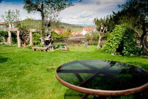 jardín casa rural monfragüe